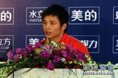 图文:北京站男子单人10米台 邱波回答提问