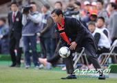 图文:首尔2-1全北 首尔主帅崔龙洙