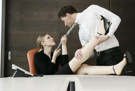 室里与诱惑老板的那点性事图片
