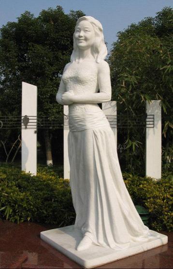 中国梦主题雕塑