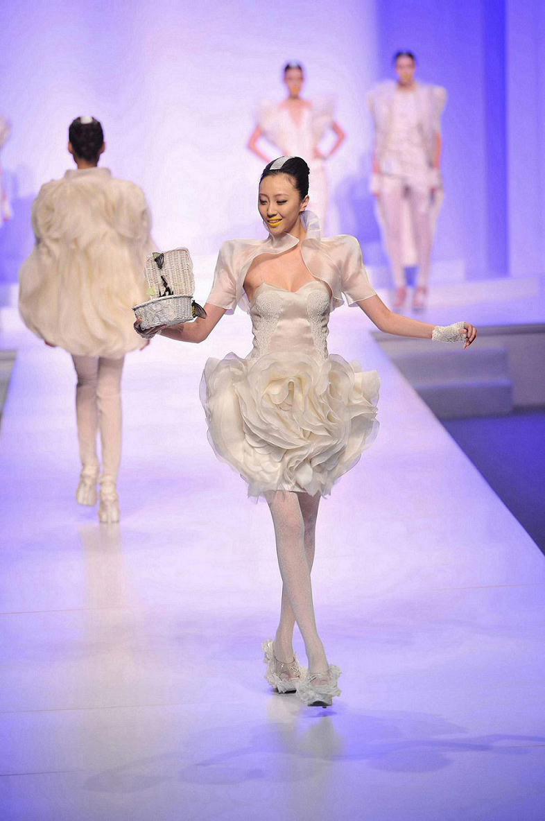 汉帛奖第20届中国时装房屋设计师青年作品大怀集县国际设计公司图片