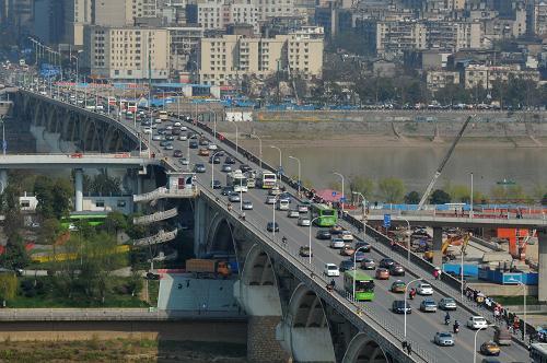 2011年湖南省民用车拥有量增长12.9%