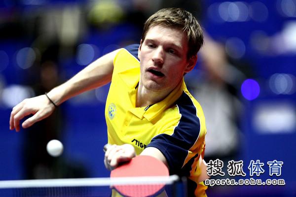 世乒赛中国男团3 0瑞典 斯文森网前搓球