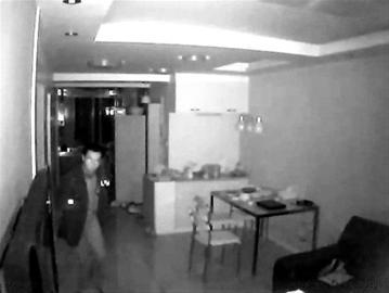 录像 行窃/监控录像拍到的小偷样貌