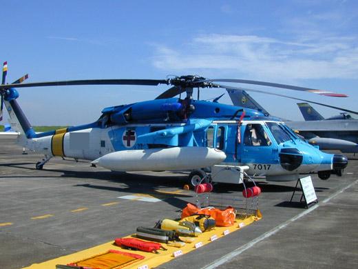 """台军嘉义空军基地1架S-70C海鸥救护直升机,26日晚间在台东兰屿附近海域执行海上救援任务时失联,疑似落海。图为失联的海鸥直升机。 """"中央社"""""""