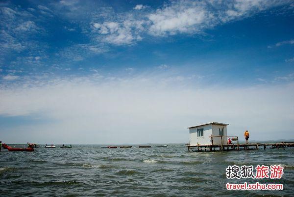 达里诺尔湖像大海一样壮阔 图片来源:阿福影像(搜狐博客)
