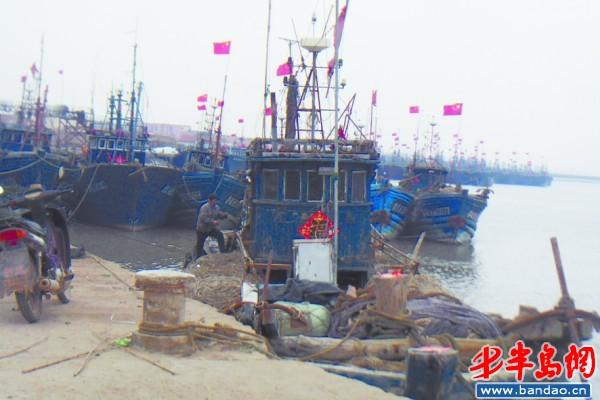 """近海渔船图片_小渔船""""退休"""",大渔船""""接班""""(图)-搜狐滚动"""