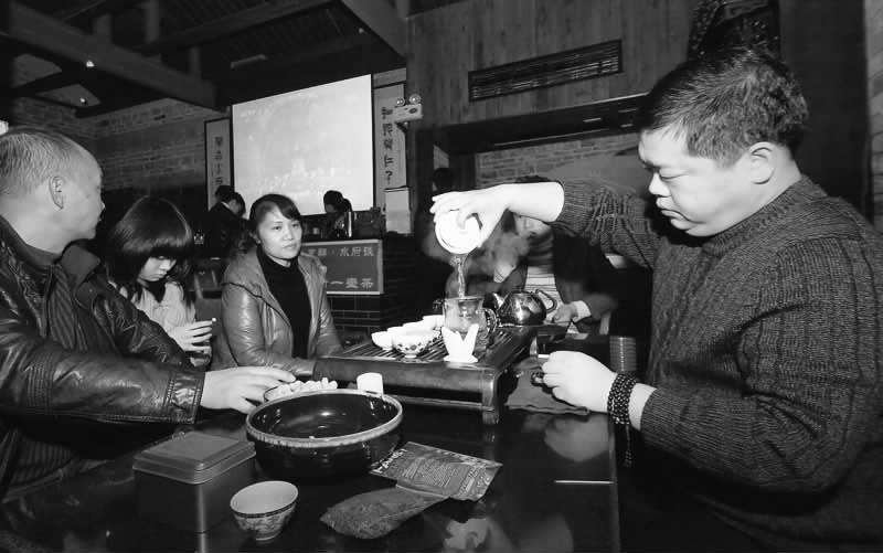 人体 茶叶/喝茶已成为人们倡导的健康生活理念,因为茶叶中的茶多酚类是强...