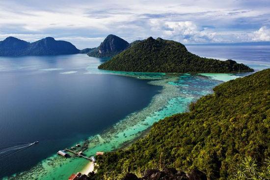 卡帕莱岛 没有沙滩的水上屋