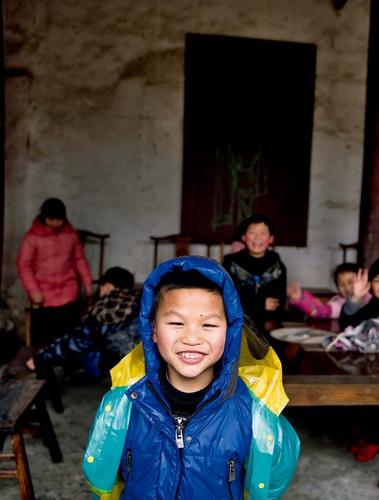 村人90%以上都姓孙,从三国时孙权到民国28年(1939年),孙氏已繁衍到65世