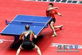 图文:世乒赛中国3-0德国6连冠 王皓侧身进攻