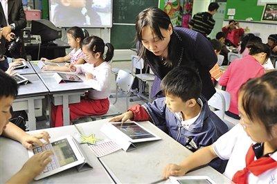 iPad深入小学课堂传道解惑 教学软件资源匮乏