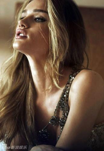 性感 惠特/罗茜汉丁顿惠特莉登《Vogue》