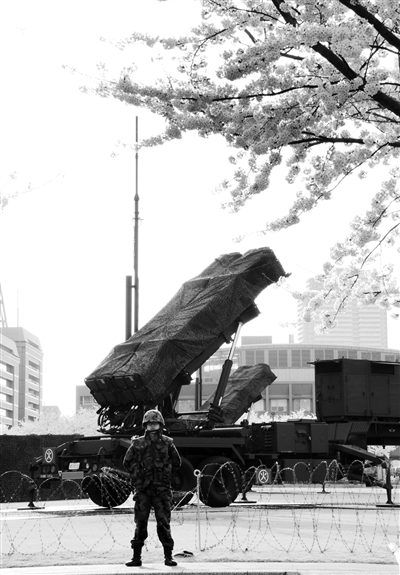 """应对朝卫星 日""""爱国者3""""导弹就位"""