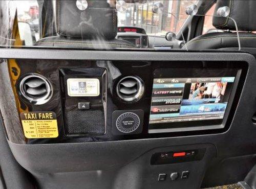 NISSAN NV200未来出租车 北京车展亮相