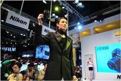 2011 P&E尼康展台精彩演出