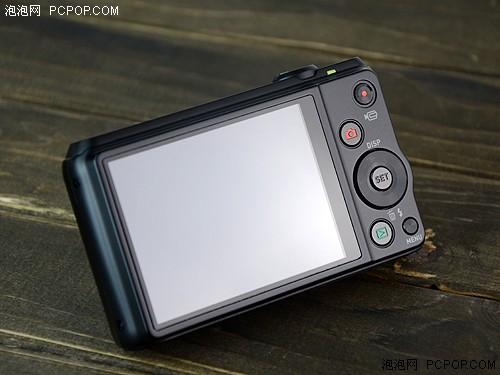 3.0英寸46万像素LCD,是目前的主流配置
