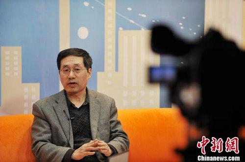 中国国际问题研究所副所长郭宪纲12日做客中新网视频访谈室《新闻大家谈》,为网友解读朝鲜卫星发射计划。记者 张龙云