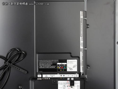 LG Cinema不闪式3D电视 LM6700接口