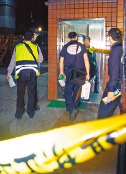 新北市12日晚间惊传1起悲剧,树林区一户民宅内发现1家4口陈尸多时,鉴识人员搜证厘清案情。台湾《中国时报》