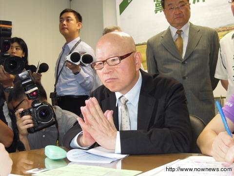 前民进党主席许信良13日登记参选党主席。台湾今日新闻网