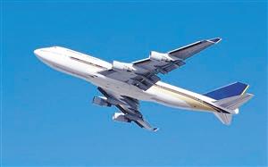 南京/4月11日,深航经南京飞往哈尔冰的一航班因天气原因备降上海...