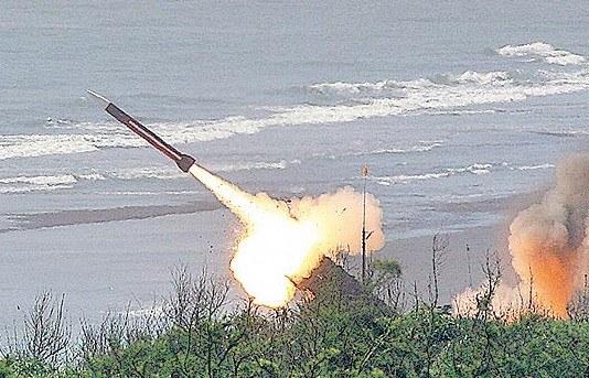 有别于过去汉光演习多为实弹射击,这次标榜节能不打实弹。来源 台湾《苹果日报》资料照片