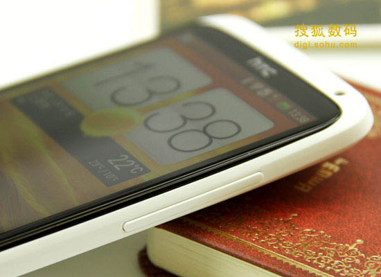 HTC ONE X手机右侧音量键