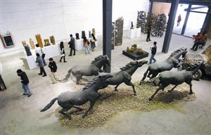 """华侨城创意文化园已成为一个融合""""创意,设计,艺术""""于一体的创意产业图片"""
