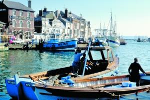 在英格兰多西特韦茅斯湾将举办奥运帆船比赛。