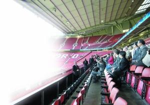 在英格兰曼彻斯特老特拉福德球场将举办奥运足球赛。