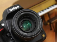 新一代全画幅机神 尼康D800单机27300元