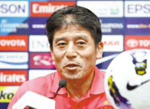 主场能否全取3分,这将决定李章洙的命运。