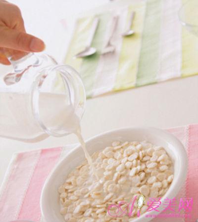 星期日:早餐燕麦片-上班族 一周降脂计划 轻松降血脂护心脏