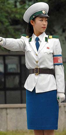 女性 朝鲜/朝鲜女交警