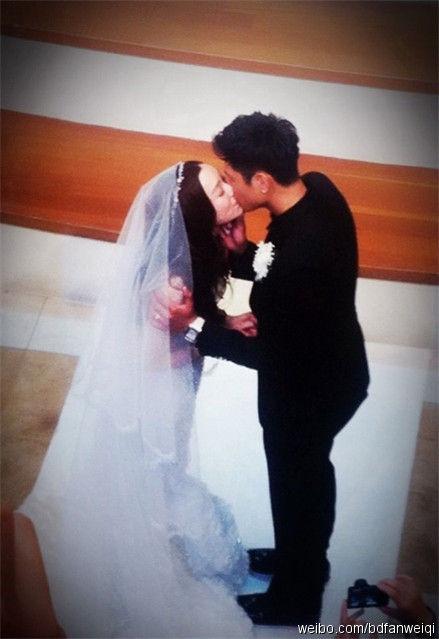 盘点明星婚礼上的热吻瞬间