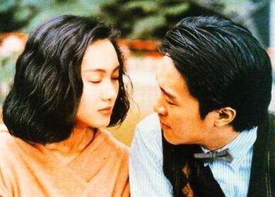 周星驰/1992年,朱茵与周星驰合作电影《逃学威龙2》,她与周星驰就...