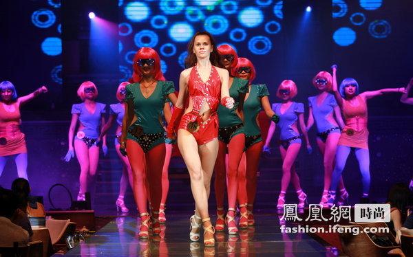 中国 南宁/最让人感慨的是乌克兰女郎,她们初次到南宁,不会中国语言能与...