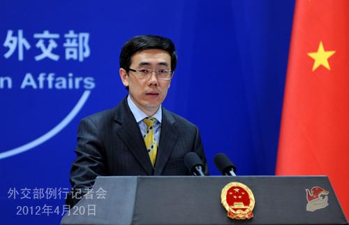 2012年4月20日,外交部发言人刘为民主持例行记者会。
