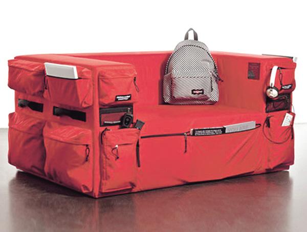 """郑州/这是来自比利时背包设计品牌""""Quinze""""的一个旅行包座椅。"""