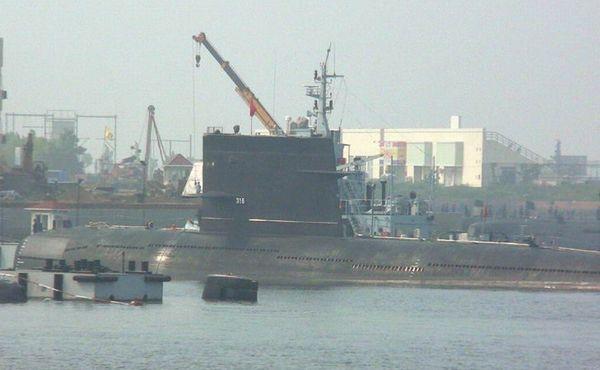 资料图:中国海军316号潜艇。