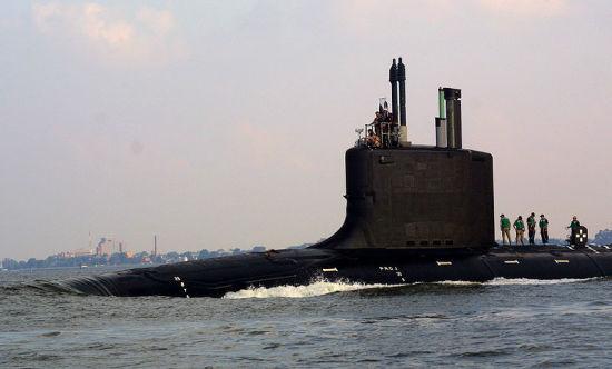 资料图:美国海军弗吉尼亚号攻击核潜艇。