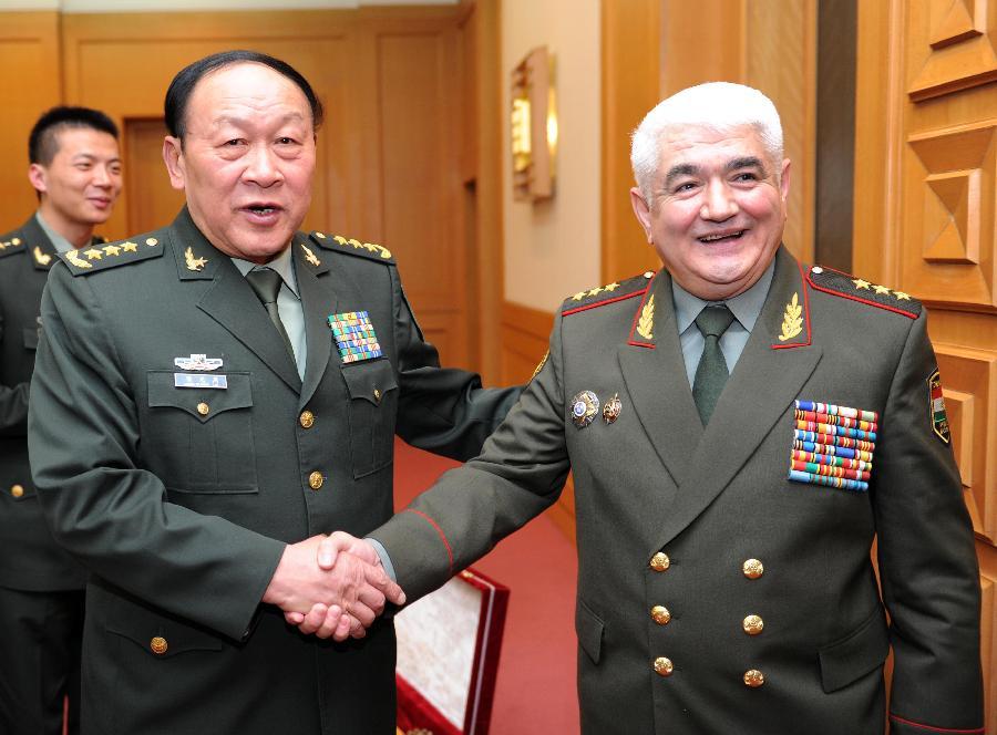 梁光烈会见塔吉克斯坦国防部长(组图)