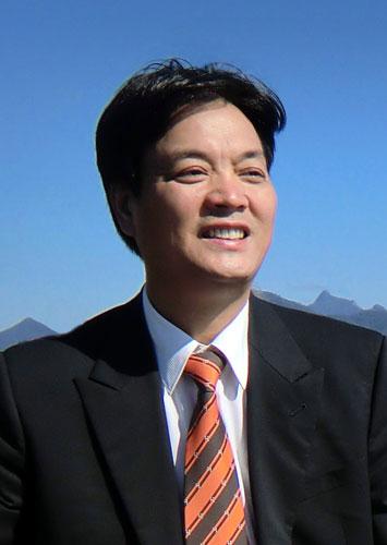 郭向东+做受人尊敬的企业(组图)