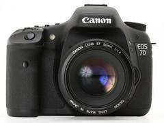 图为:佳能7D与24-105mm镜头