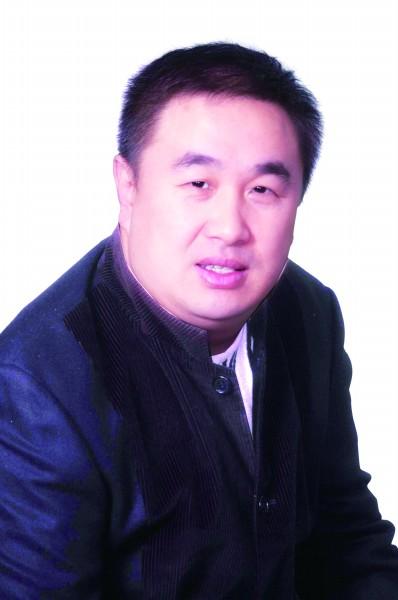 2004年12月,青岛颐中集团宣布退出足坛,青岛足球陷入空前低谷.