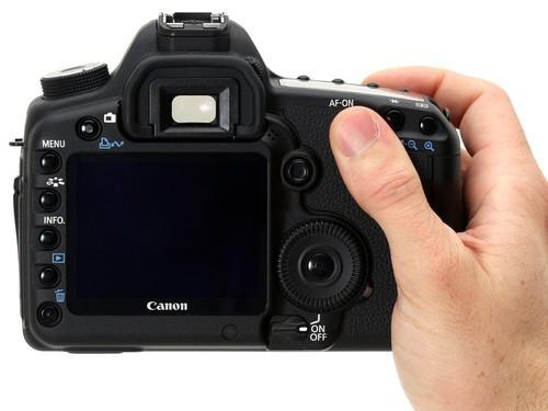 搭配24-70mm镜头 佳能5D2套机售22500元