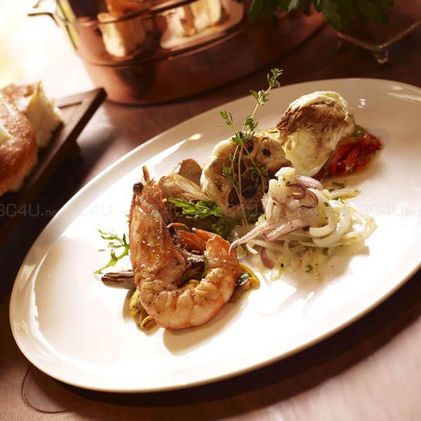 208 Duecento Otto餐厅提供甚具地道风味的意大利菜,搜罗最优质及新鲜的食材烹调每道菜,创作出美味又传统的餐单。