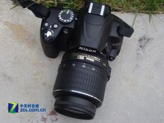 图为:尼康单反相机D3000