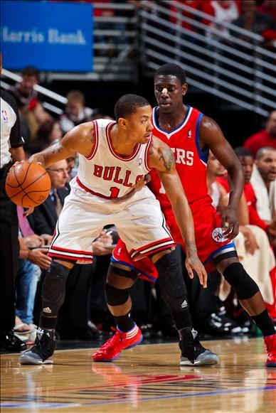 罗斯/图文:[NBA]公牛103/91胜76人 罗斯背身单打...